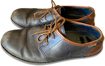 Zapatos = shoes